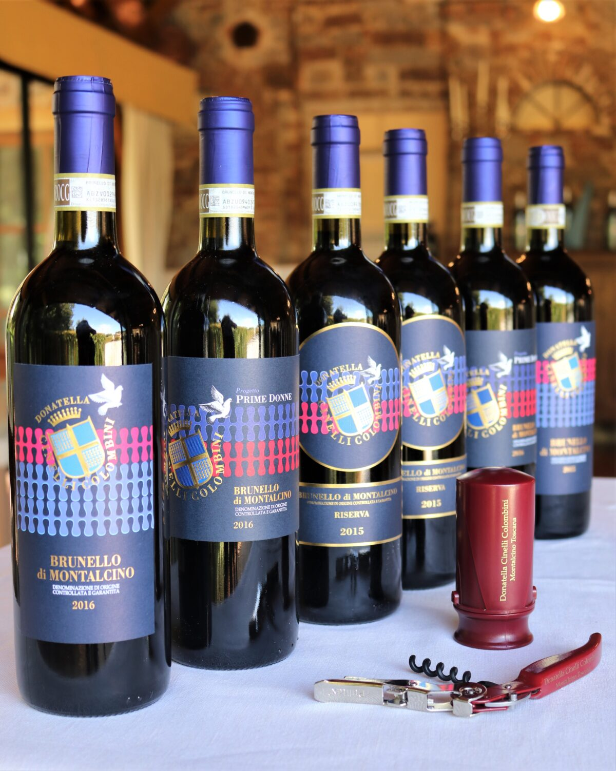 6 bottiglie di Brunello di Montalcino con cavatappi e pompetta